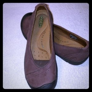 Keen cushion brown leather shoes